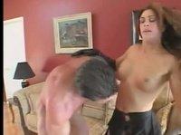Между той парочкой вспыхнул хардкорный секс