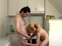 Кухонный секс с белокурой русской девкой