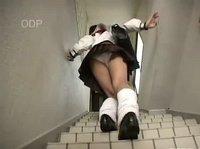 Хорошенькую японку умело соблазнил её сосед