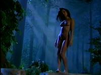 Сказочно красивая Скарлетт ебётся в ночном лесу