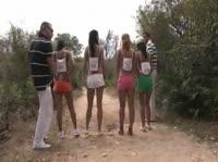 Обманом заманили спортсменок на пляжную оргию